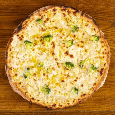 42-Pizza-con-Brocoli-e-Pecorino